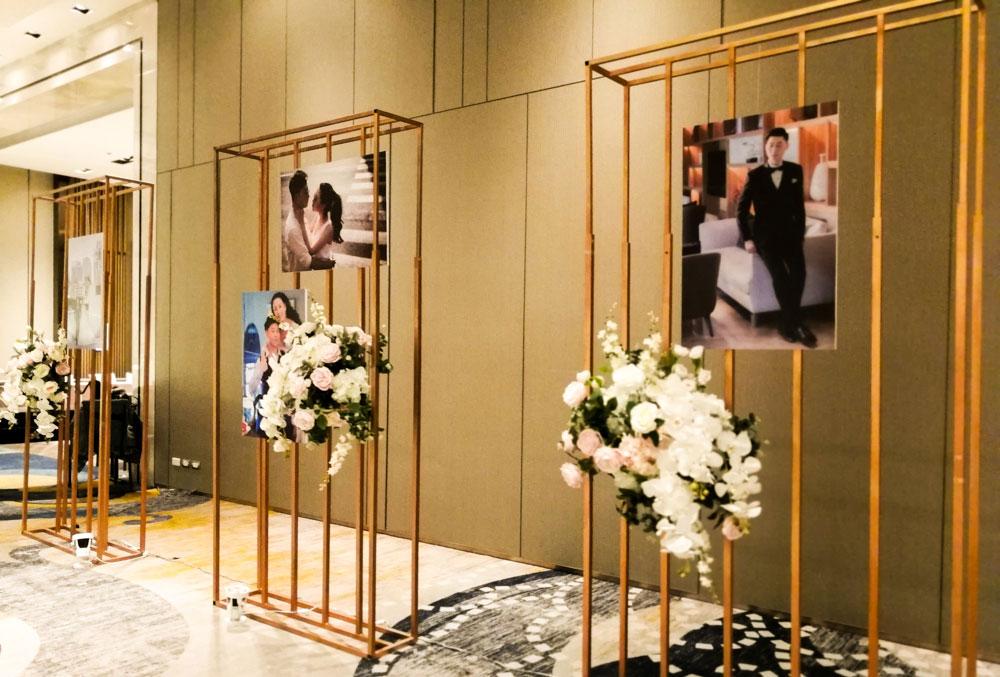 จัดงานแต่งงาน สีชมพู ขาว