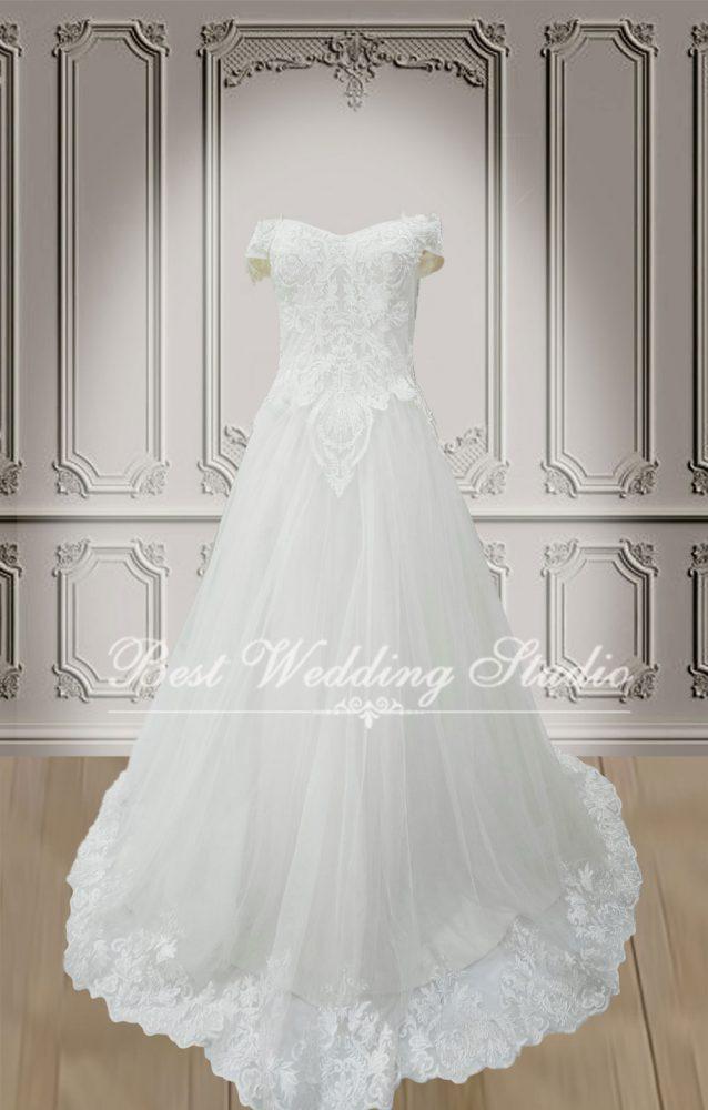ชุดแต่งงาน แอบโอบไหล่ สวยๆ